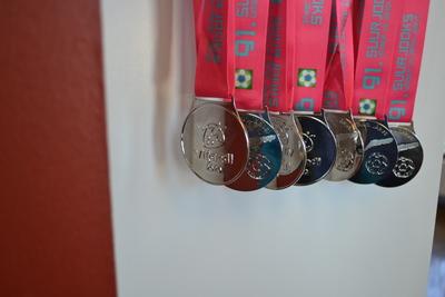 2020. aasta suurjooksu medalid on valmis ja ootavad, millal jooksjad võistluse lõpetavad.
