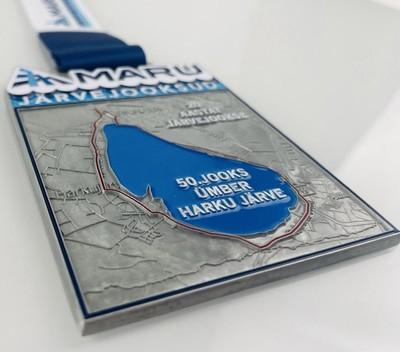 Finišis ootab kõik lõpetajaid Harku järve ja rajaga juubelijooksu medal