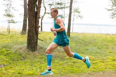 Võitja Kaur Kivistiku stiilipuhas jooksusamm Ülemiste järve kallastel