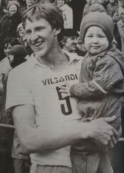 Urmas Müür koos tütrega 1979. aasta võiduka finiši järel