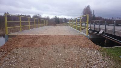 Orika silla ümbruses täideti reedel terviserajale tekkinud auke