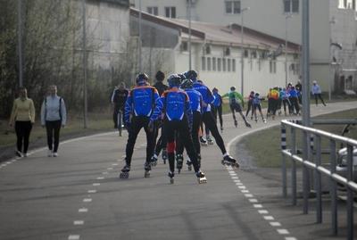 Rulluisutajad Nõmme-Haabersti kergliiklusteel, foto: Erkki Pikk