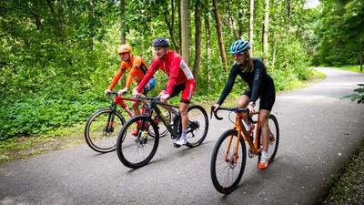Rattaklass on vaba, tule maastikuratta, gravel-tüüpi maanteeratta või moodsa cyclocross rattaga - peaasi, et läbi kruusa läheb