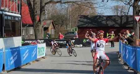 Pristis Eesti Rahva Velotuuri I etapi grupisõidu kolmikvõit lätlastele